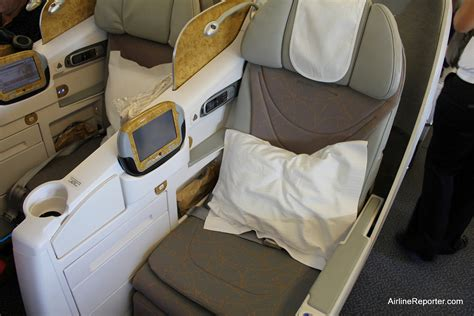 emirates airline business class seats my review flying emirates airline business class to dubai