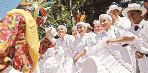 Casa Cfa Mba by Buscan Embajadores Culturales De