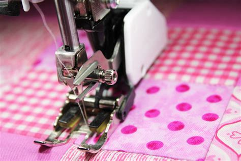 How To Use A Quilting Foot On A Sewing Machine by How To Use A Quilting Presser Foot Stitch In The Ditch