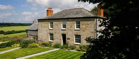 cottage holidays uk duchy holidays cottages cornwall self catering