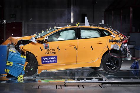 car crash safety ratings volvo v40 d4 se nav car write ups