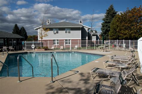 River Apartments Green Bay Wi Foxcroft Apartments In Green Bay Wi 920 497 4