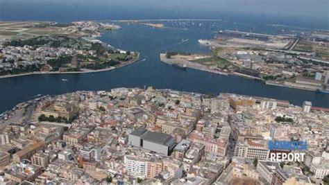 capitaneria di porto di brindisi onda sfonda obl 242 ricostruito l accaduto