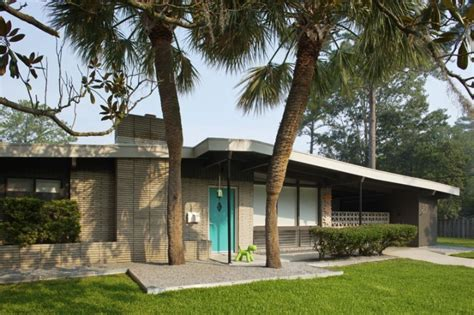 28 mcm home image gallery mcm homes mid century modern homes exterior paint color home mid century modern homes exterior paint color home