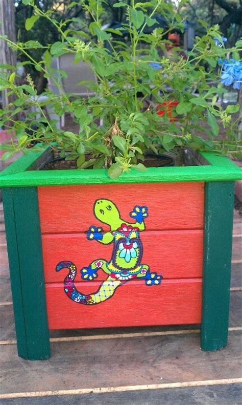 Painted Garden Planters by Painted Planter Box Krazy