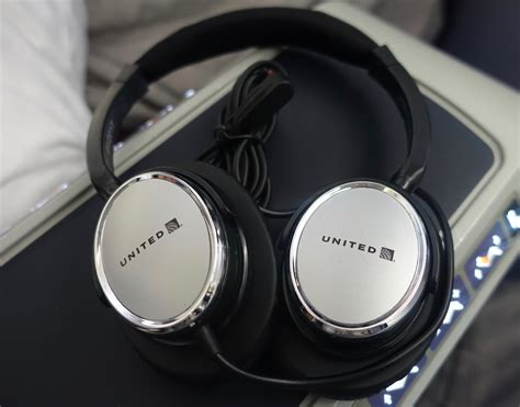 Headset United review united business class 777 200 frankfurt to houston one mile at a time