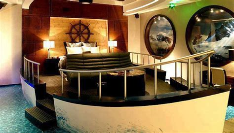 Boat themed room dig this design