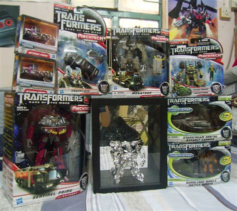 Toys R Us Transformers Sweepstakes - tru hong kong transformers dotm launch party with chrome bumblebee transformers news reviews