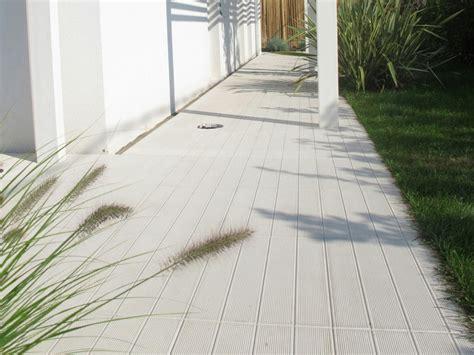 piastrelle in cemento per esterni pavimento per esterni in cemento effetto legno doga 50x50