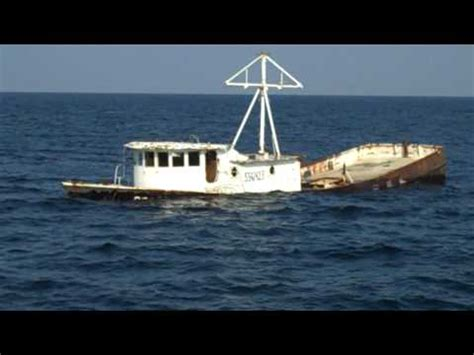 sinking fishing boat videos american marine group sinking fishing boat youtube