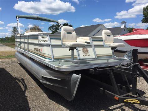 22 pontoon boat crest pontoon boats 22 crest iii boats for sale