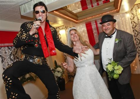 5 Reasons to Get Married in Las Vegas   The Little Vegas