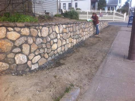 Landscape Garden Retaining Wall Izvipi Com Garden Retaining Wall Materials