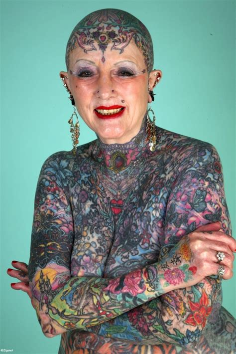 full body tattoo old woman hommes et femmes les plus tatou 233 s du monde tatouage