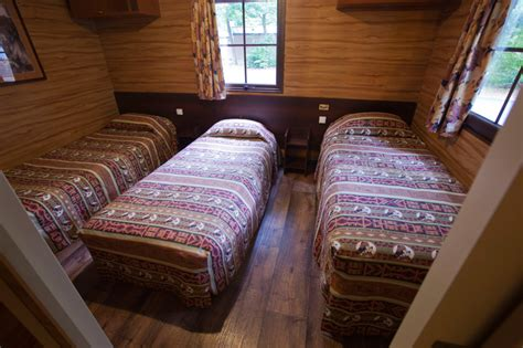 davy crockett ranch premium cabin rooms davy crockett ranch disneyland hotels