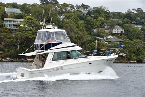 bluewater boat brokerage riviera 35 blue water flybridge the boat brokerage