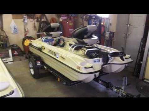 bass hunter boat plug pelican bass raider 10e youtube