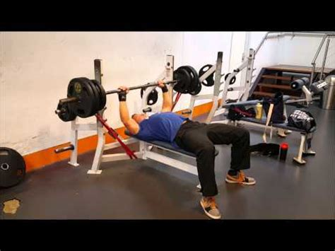 benching with bands bench press with resistance bands youtube