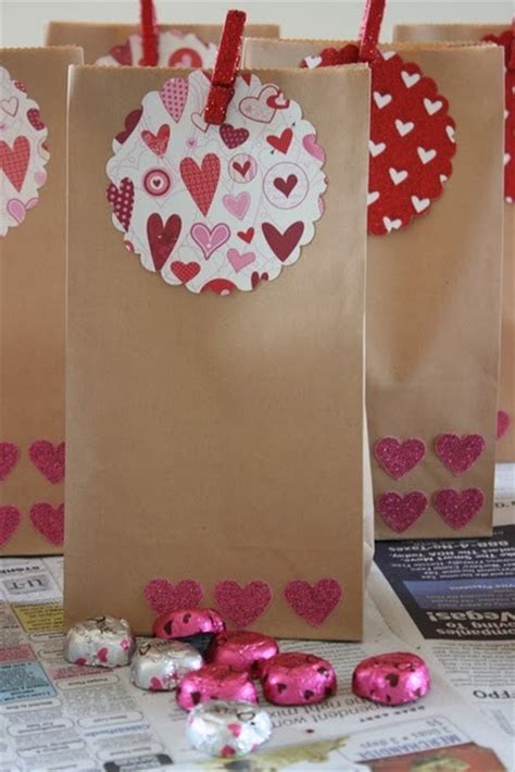 valentines bags ideas anyone can decorate from adorable to