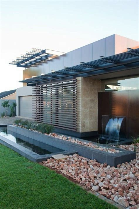 418 best images about casas on pinterest casa moderna con fuente cascada en el jardin estanques