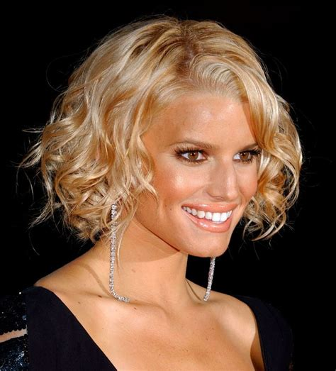 celebrity hairstyles that fit a raoundish head browse them every day then pick one of these eternally