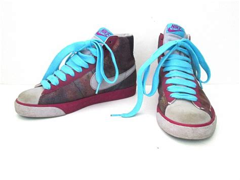spray painting nike shoes 1000 ideas about purple spray paint on