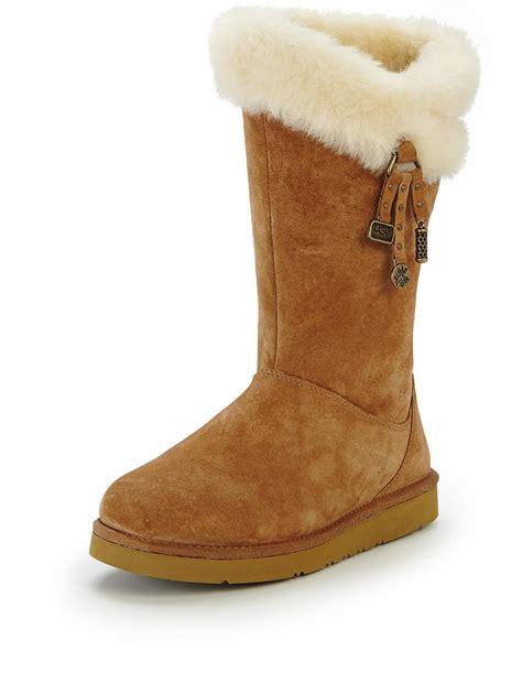 ugg boots for uk ugg plumdale charm boots uk