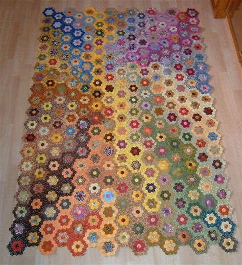 Hexagons Patchwork - 535 best hexagon quilts images on hexagon