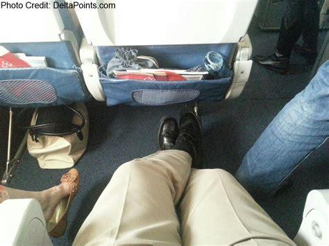 delta leg room tons of leg room in 26b on delta 767 300 jet delta points ren 233 s pointsren 233 s points