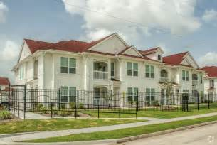 summer house apartments rentals angleton tx
