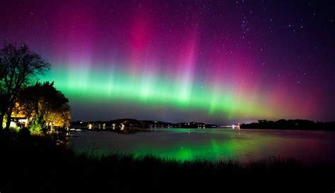 soft serve northern lights aurora borealis 20 natural phenomena to see before you