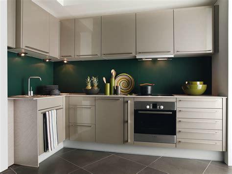 cuisines en l cuisine nory darty en l avec cr 233 dence verte photo 5 20