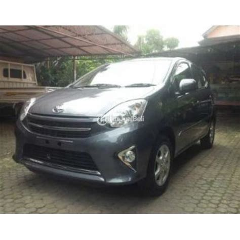 Toyota Agya 1 0 Manual mobil toyota agya 1 0 g manual tahun 2016 grey second