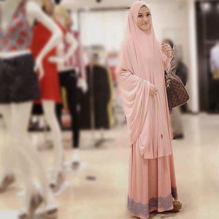 Syameela Gamis Syari Ay gaya gamis dan syar i ala lya virna terbaru model gaya fashion terbaru