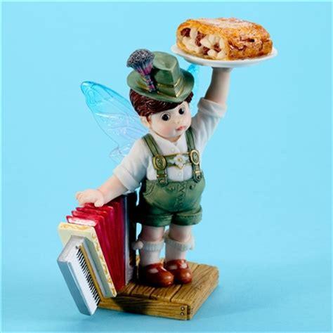 strudel my kitchen fairies figurine