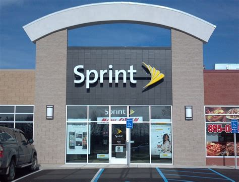 The Store Sprint Closing 55 Stores 150 Service Centers And Laying