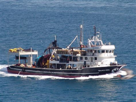 offshore fishing boat jobs chief engineer on fishing boat