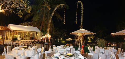 Lu Barong R themed resorts dinner