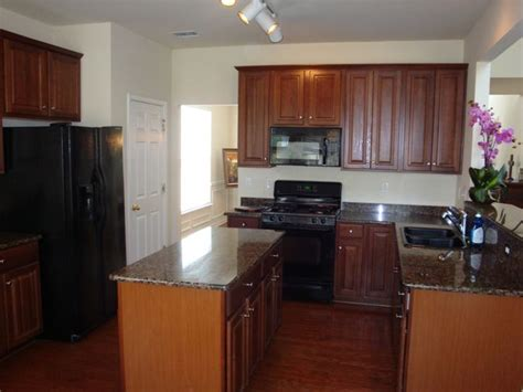 kitchen with black appliances 1000 images about kitchens with black appliances on