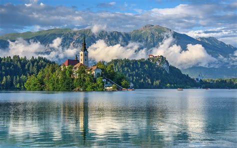 slovenia lake slovenia lake scenery mountains lake bled nature 412283