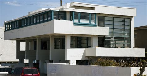 lovell beach house lovell beach house the lovell beach house is located on