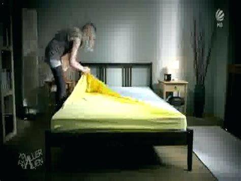 Bett Beziehen Englisch by Bett Beziehen Englisch Betten Muj Groomroomme Burrito