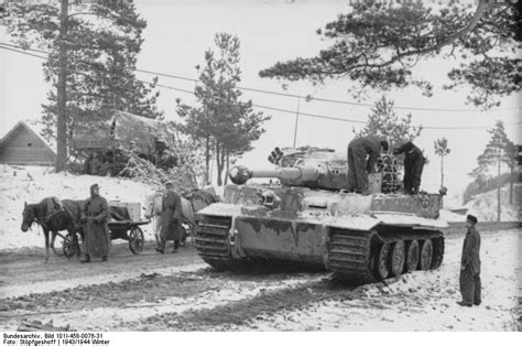 Battalion Bt 1001g Black Gray photo german and carts passing by a tiger i