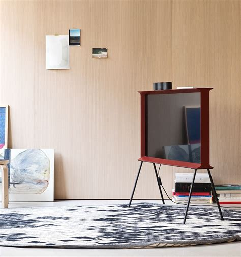 the samsung serif tv one of oprah s favorite things bouroullec s typeface inspired design for samsung form