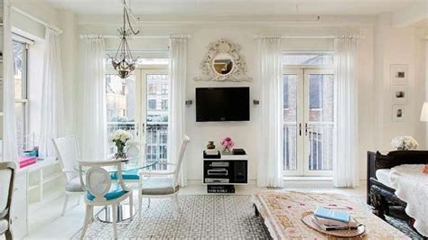 miranda kerr puts manhattan apartment on market