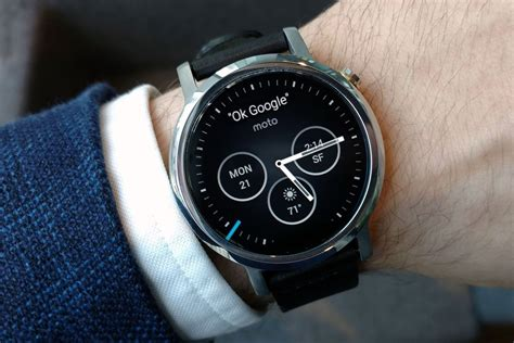 android wear moto 360 moto 360 niente aggiornamento a android wear 2 0 newsgeek it