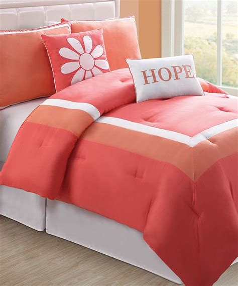 What To Look For In A Comforter by 17 Best Images About Bedroom Decorating On