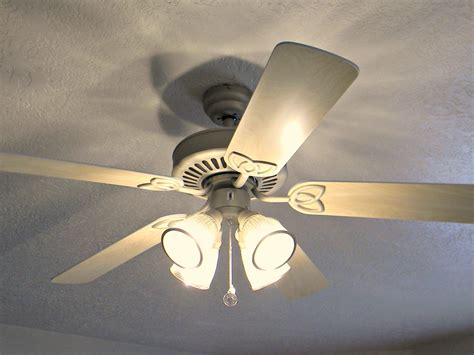 ceiling fan light doesn t work but fan does ceiling fan doesn t work but light does energywarden