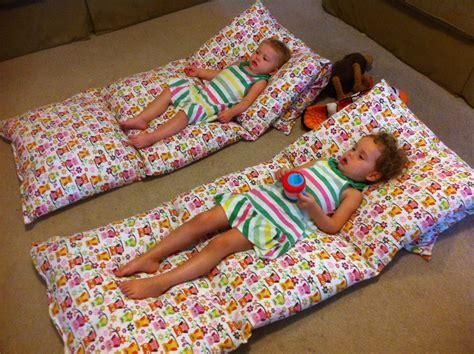 how to make a pillow bed diy colchonete de travesseiros roteiro baby