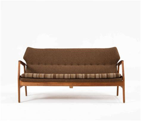 two tone sofas original two tone sofa by bovenk designed by aksel